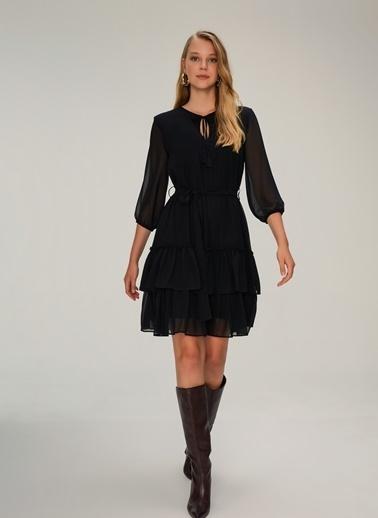 NGSTYLE Eteği Fırfırlı Şifon Elbise Siyah